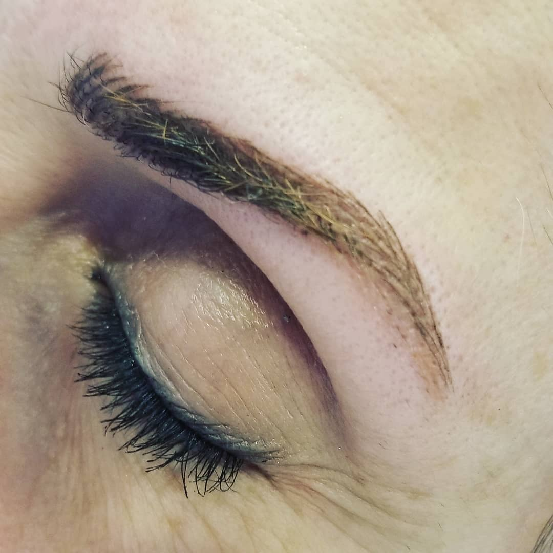 woman shaped eyebrow